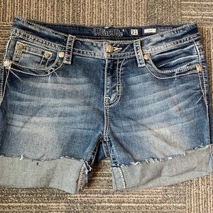 MISS ME✨ Jean Shorts in Classic Blue Size 31
